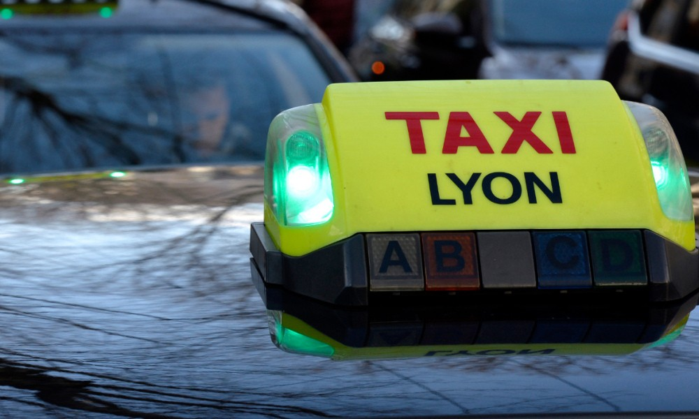 taxi-lyon-web-digital-conseil-conception-developpement-socialmedia